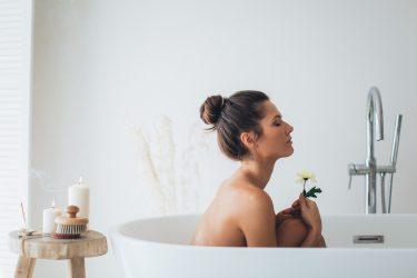 バスソルトとは?美容や健康にも良い6つの効果&正しい使い方の手引き